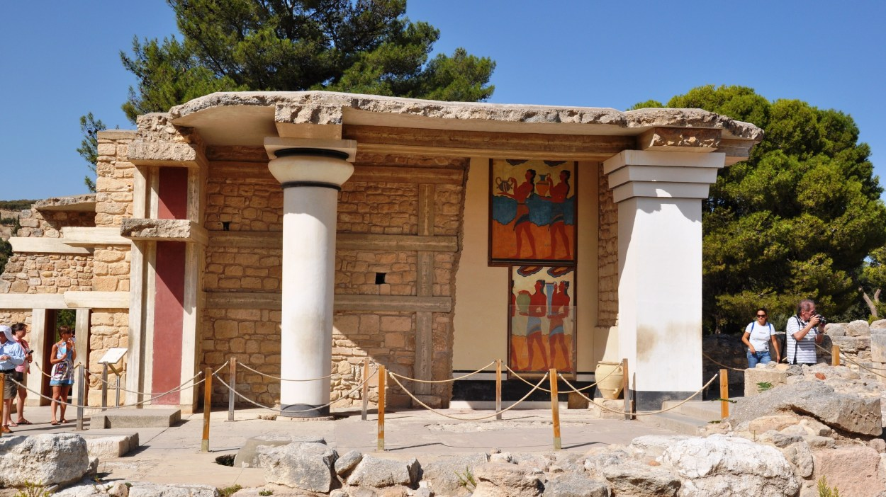 Full-Day Knossos and Heraklion Tour